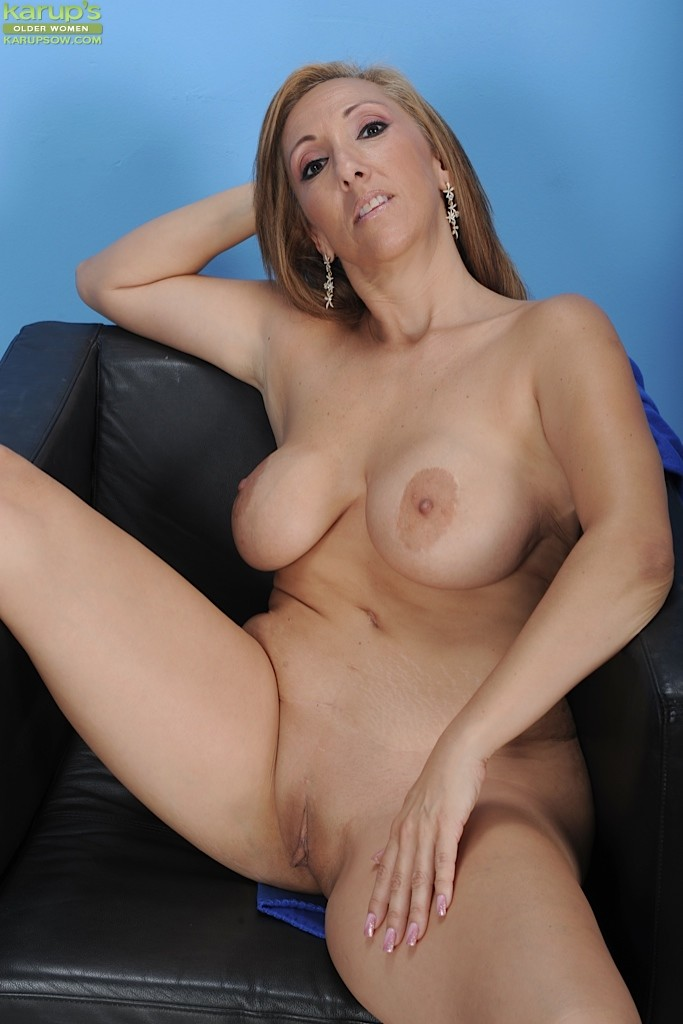 Beautiful Sexy Naked Mature Women