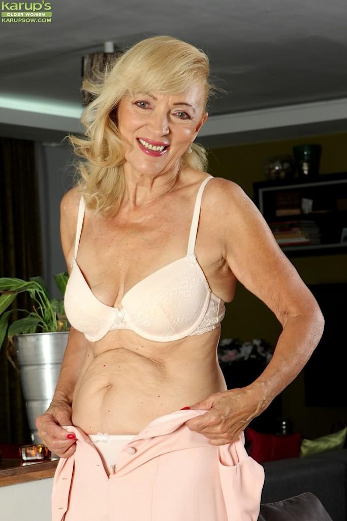 Janet Lesley Naked Granny