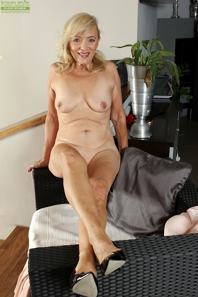 Hot mom julia - 2 10