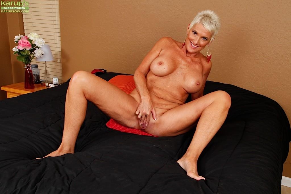 Busty older women porn