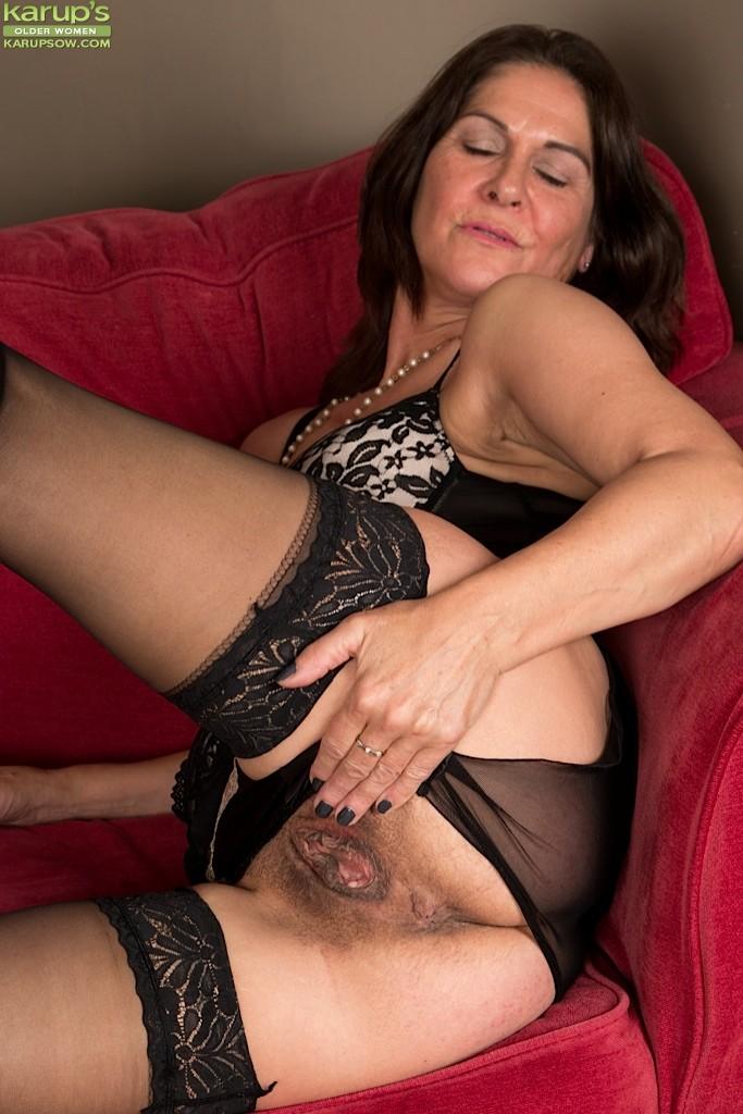 Huge natural tits boobs