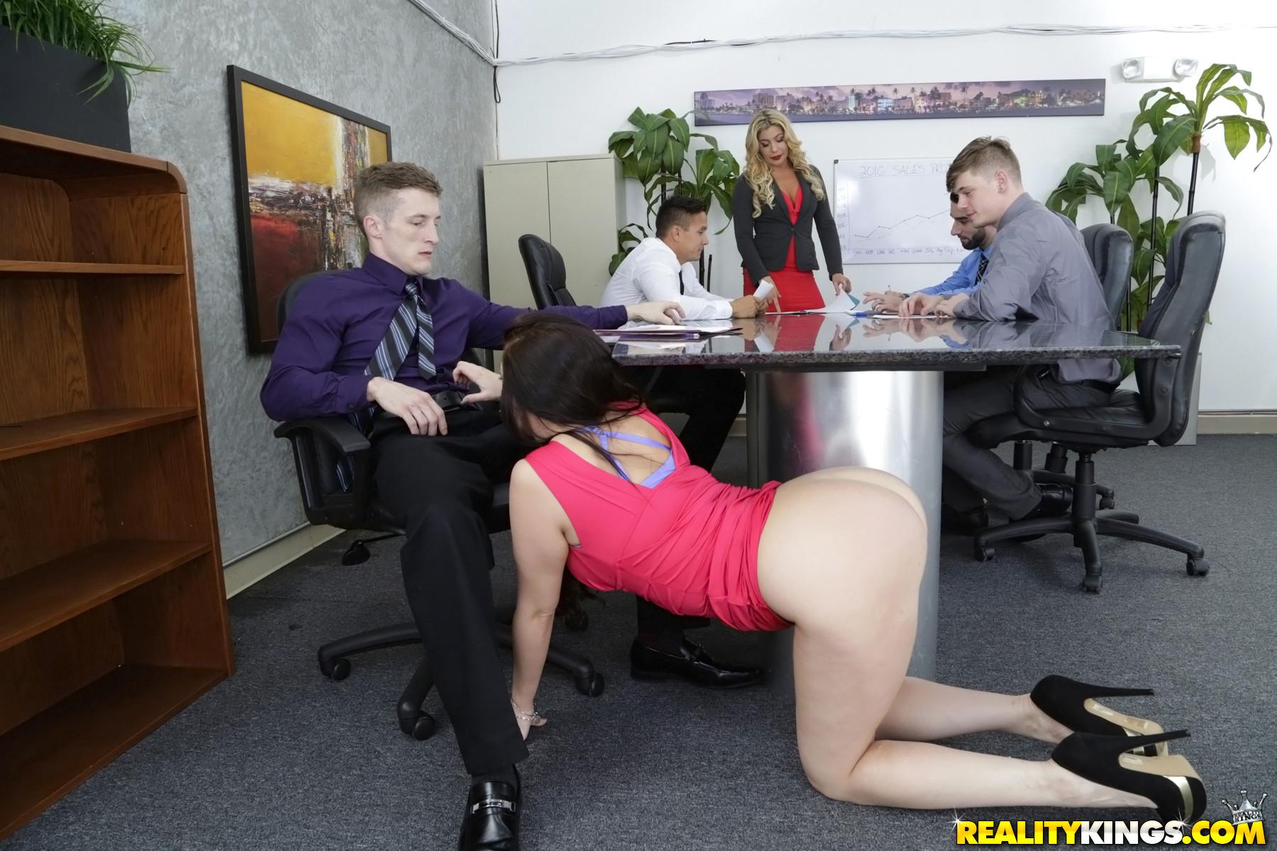 big spread pussy pic