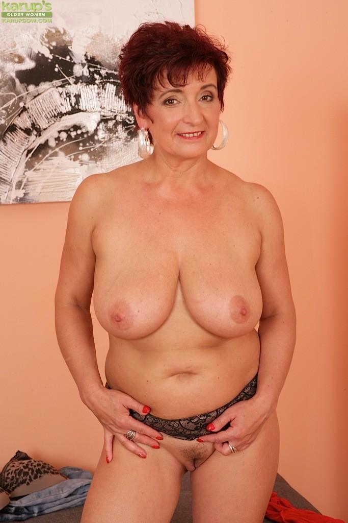 Natural Tits Mature Pics