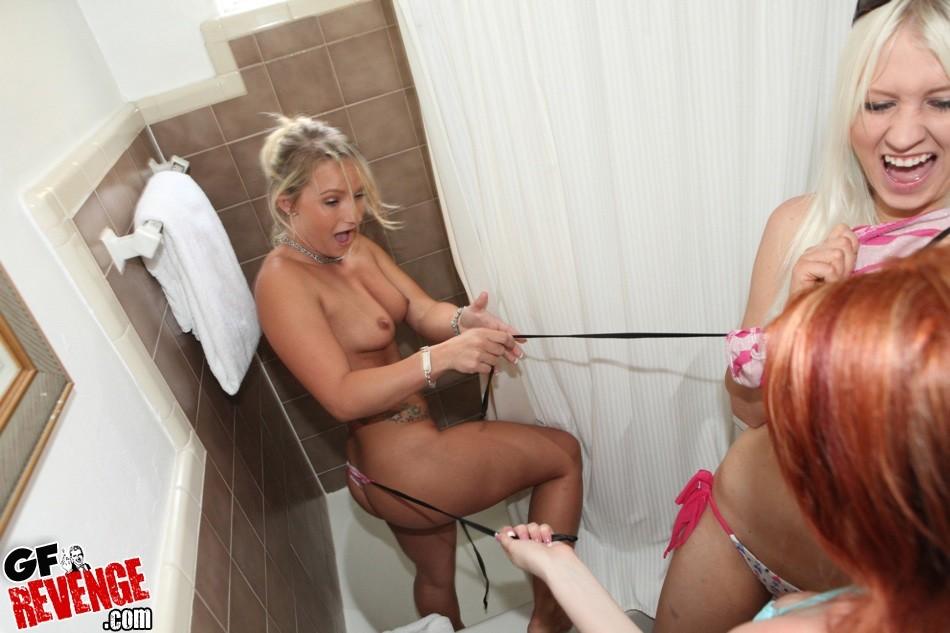 Roxy reynolds lesbian scene