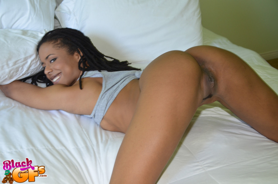 Hot ebony jenna foxx muff dives with realtor nickey huntsman
