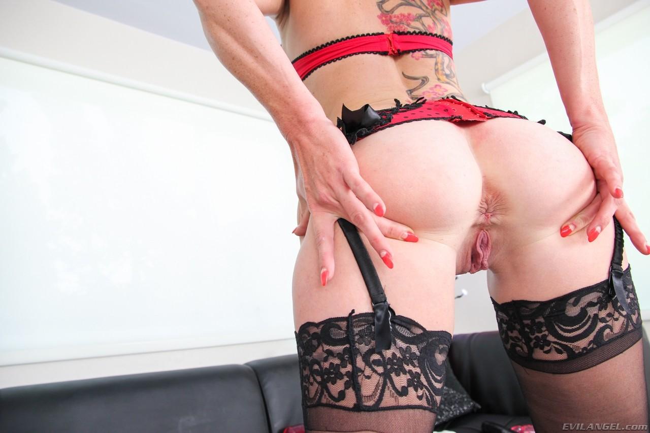 Gwen tennyson anal