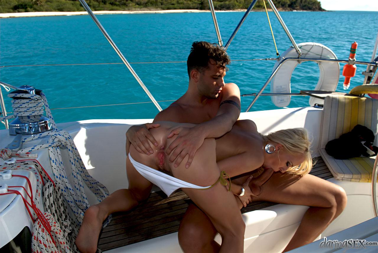 Секс на корабле с любовником — photo 3