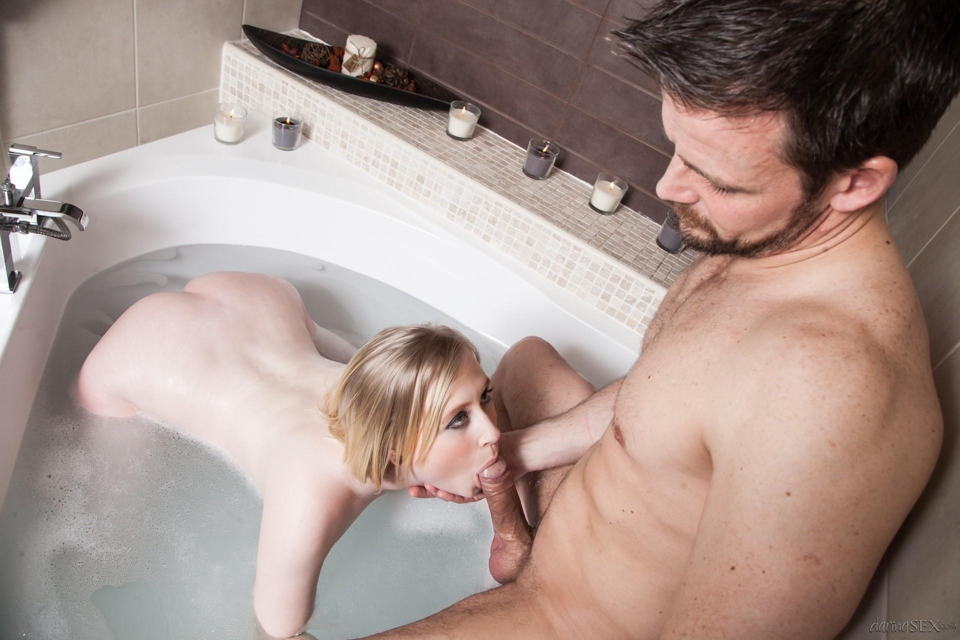 найти секс в ванной видео сахно