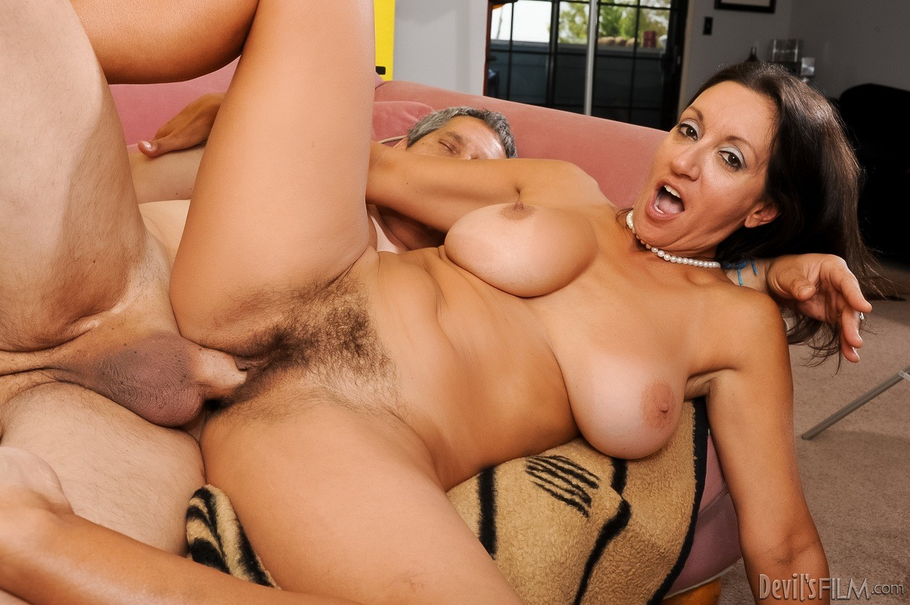 Busty Mature Pussy Eaters
