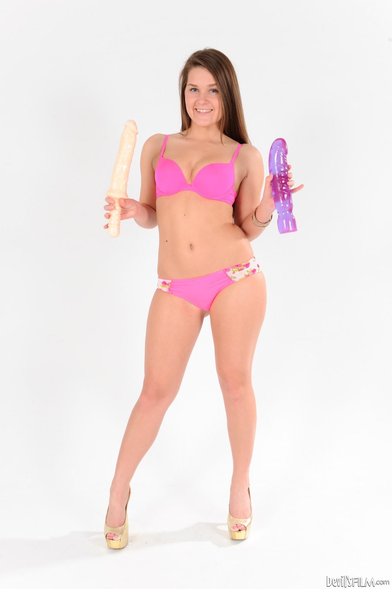 Abby Cross - My Gigantic Toys 17 70996-3438