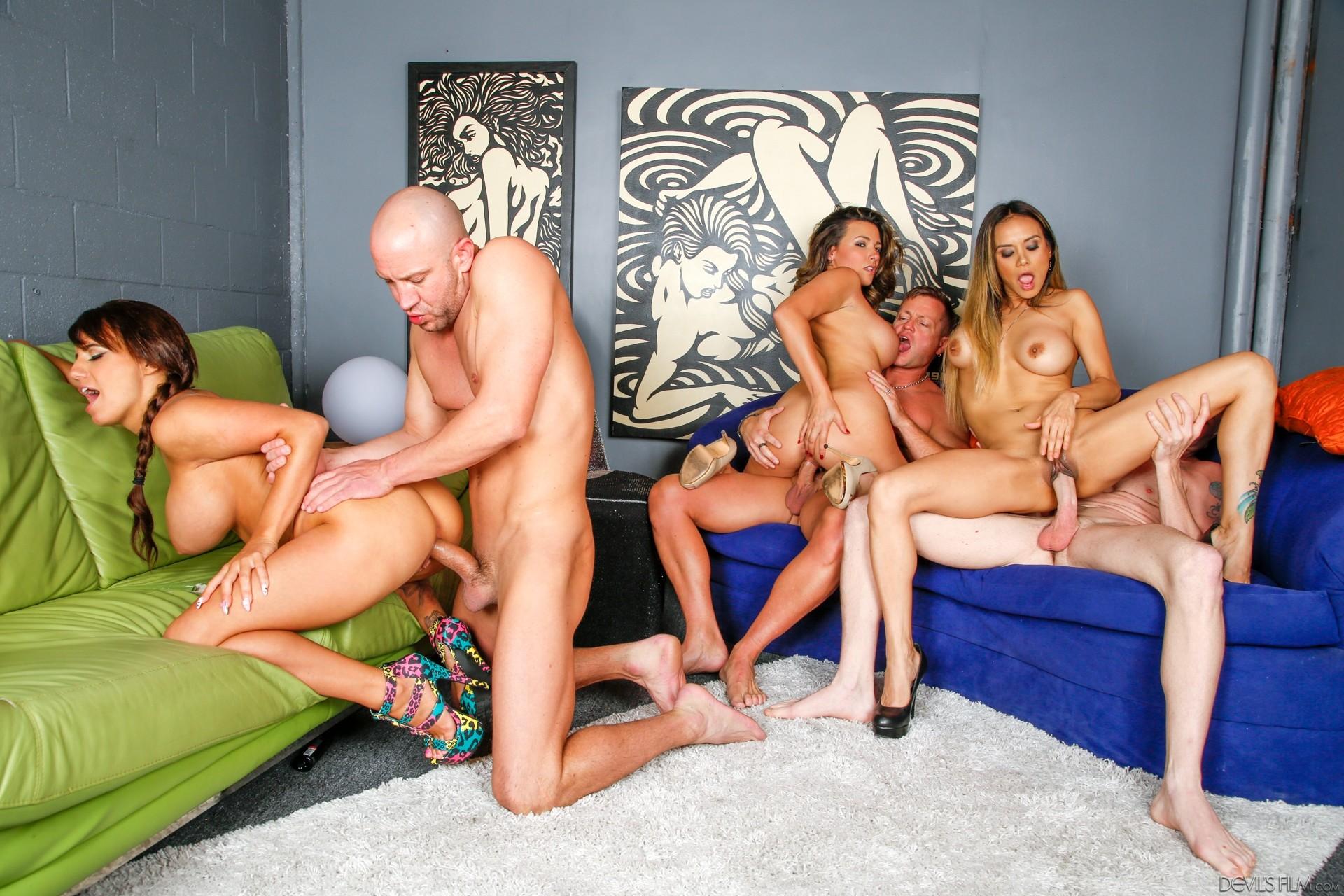 найти порноактеров свингеров - 8