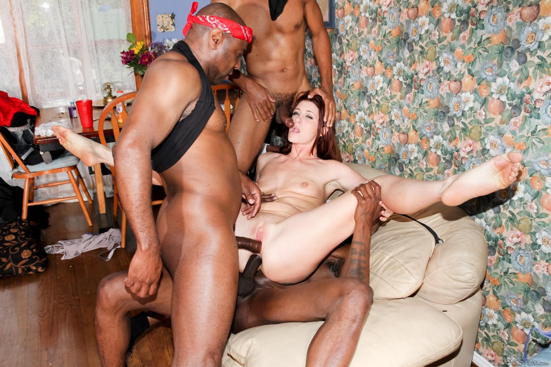 Супер жесткий ганг банг порно 3 фотография