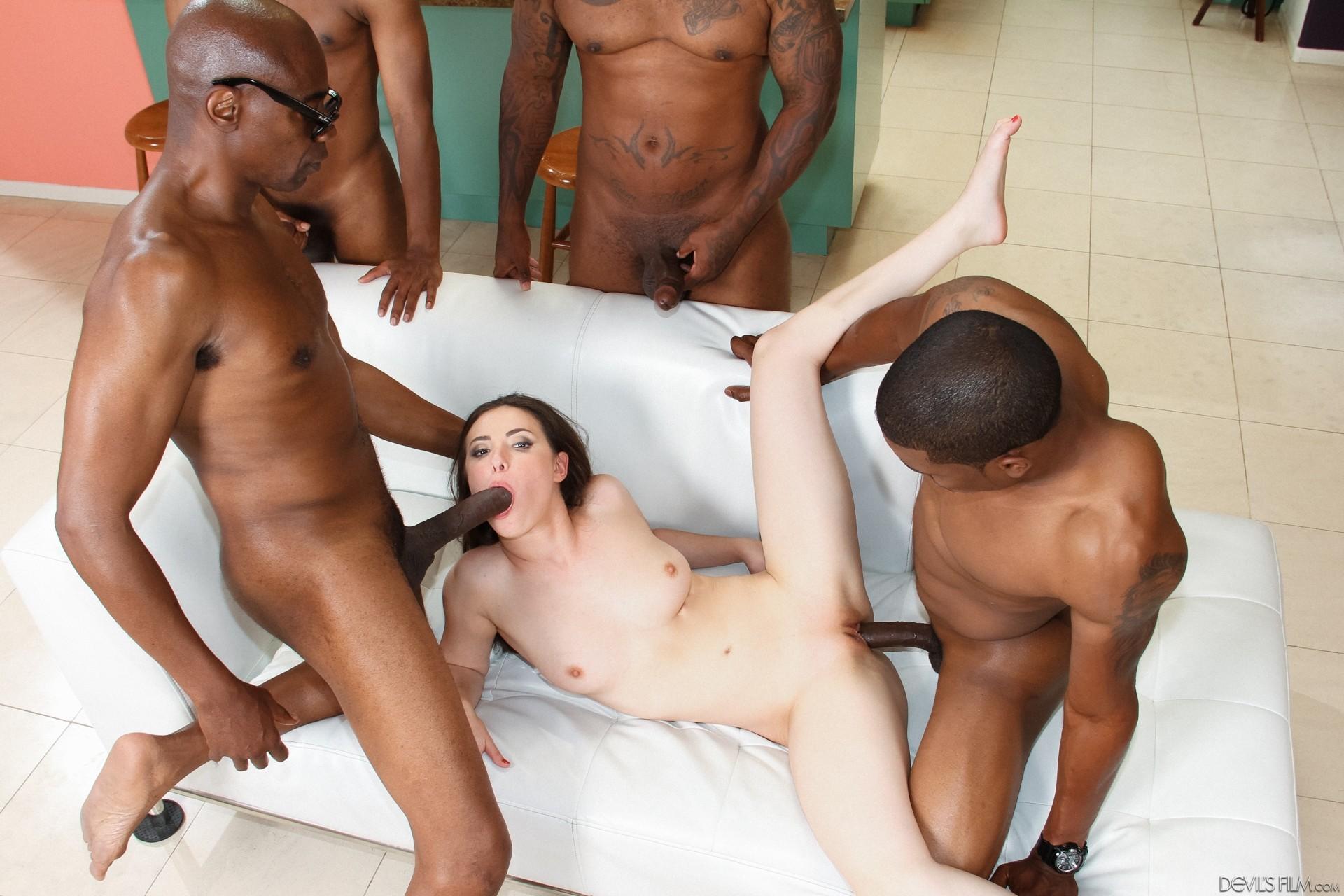 Смотреть порно три негра, Порно с неграми. Темнокожие парни трахают женщин 21 фотография