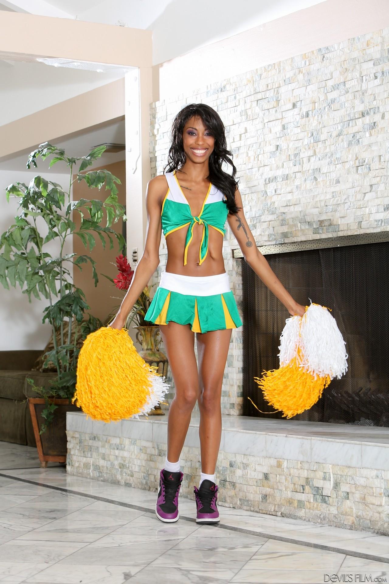 Adriana malao cheerleader