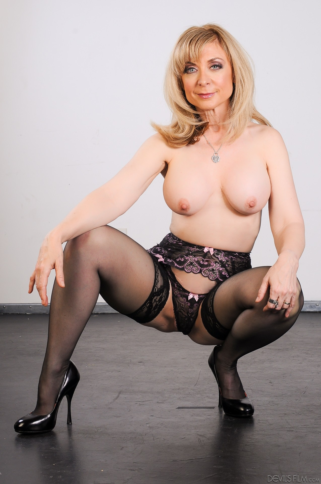 nina hartley handjob