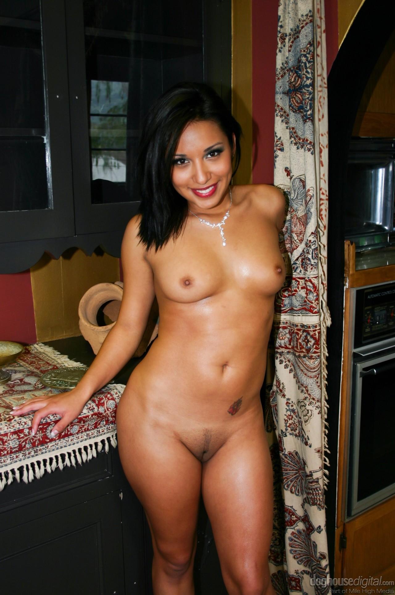 jasmine-byrne-nude-images-norvec-girl-fuck