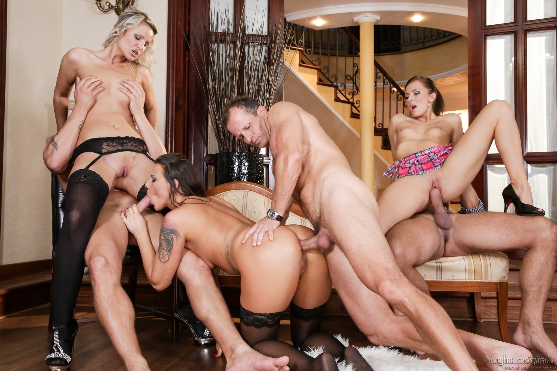 Milf with big ass in orgy