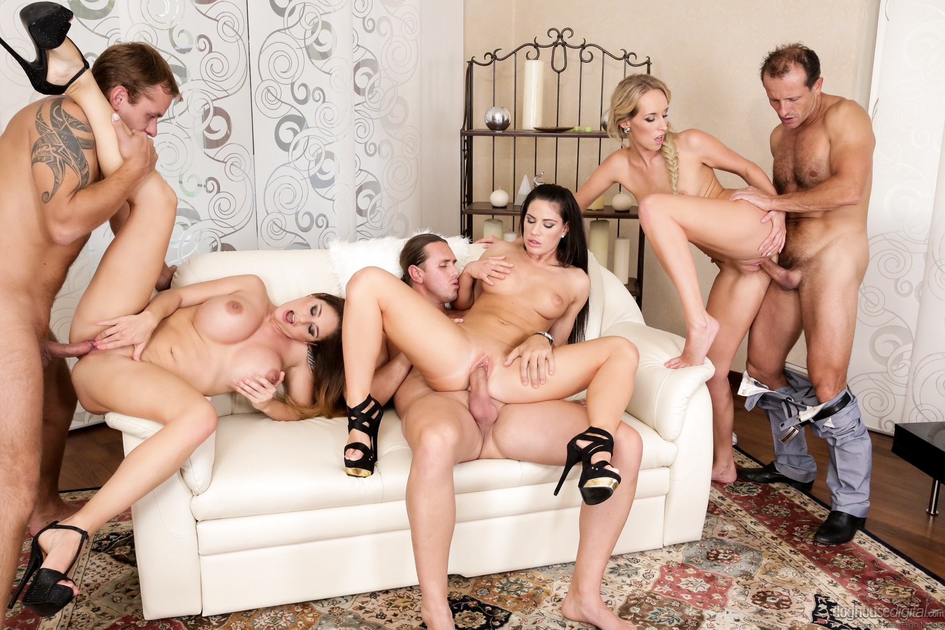 housewifes-group-anal-girls-butfuck
