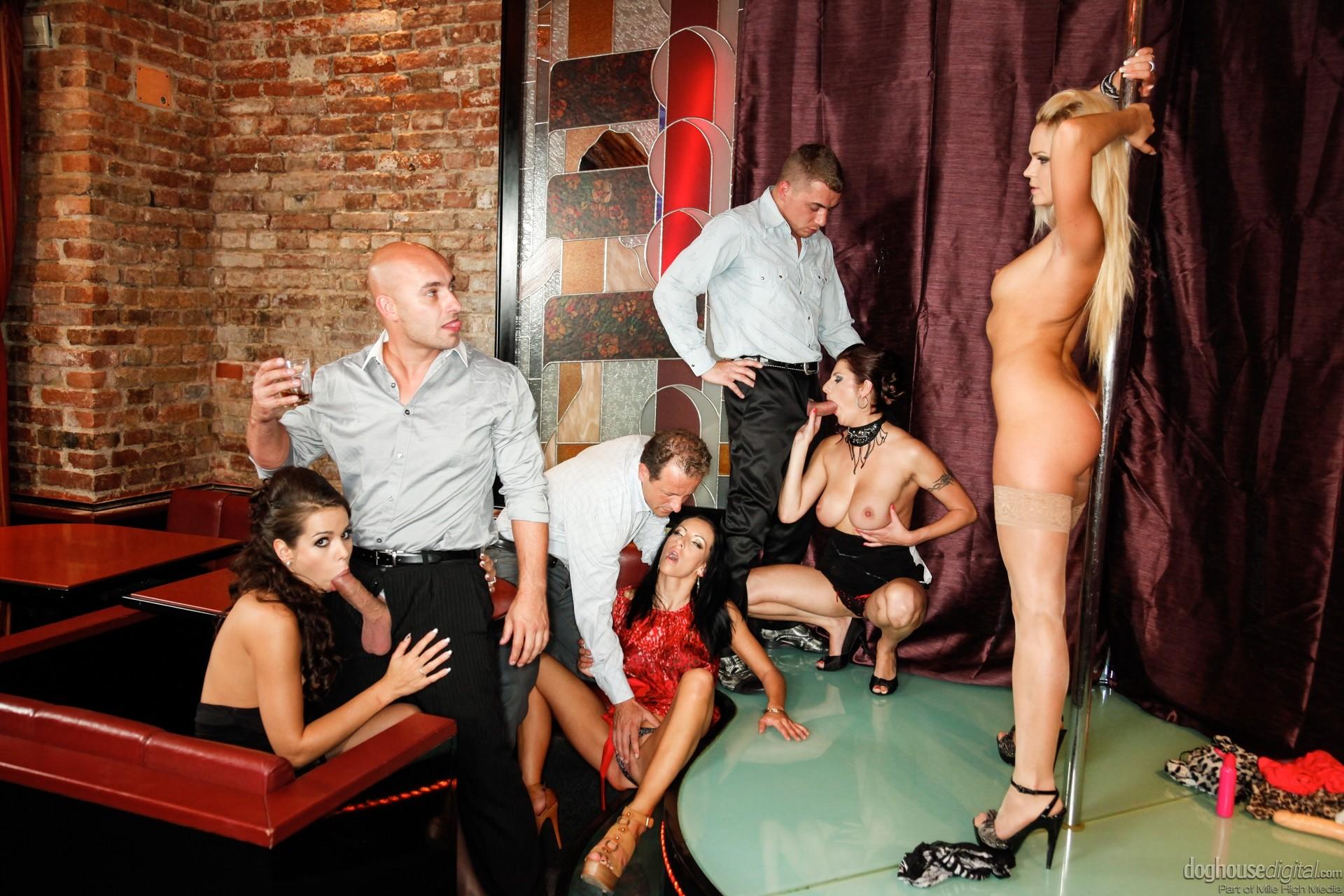 porno-striptiz-dlya-bossa-video