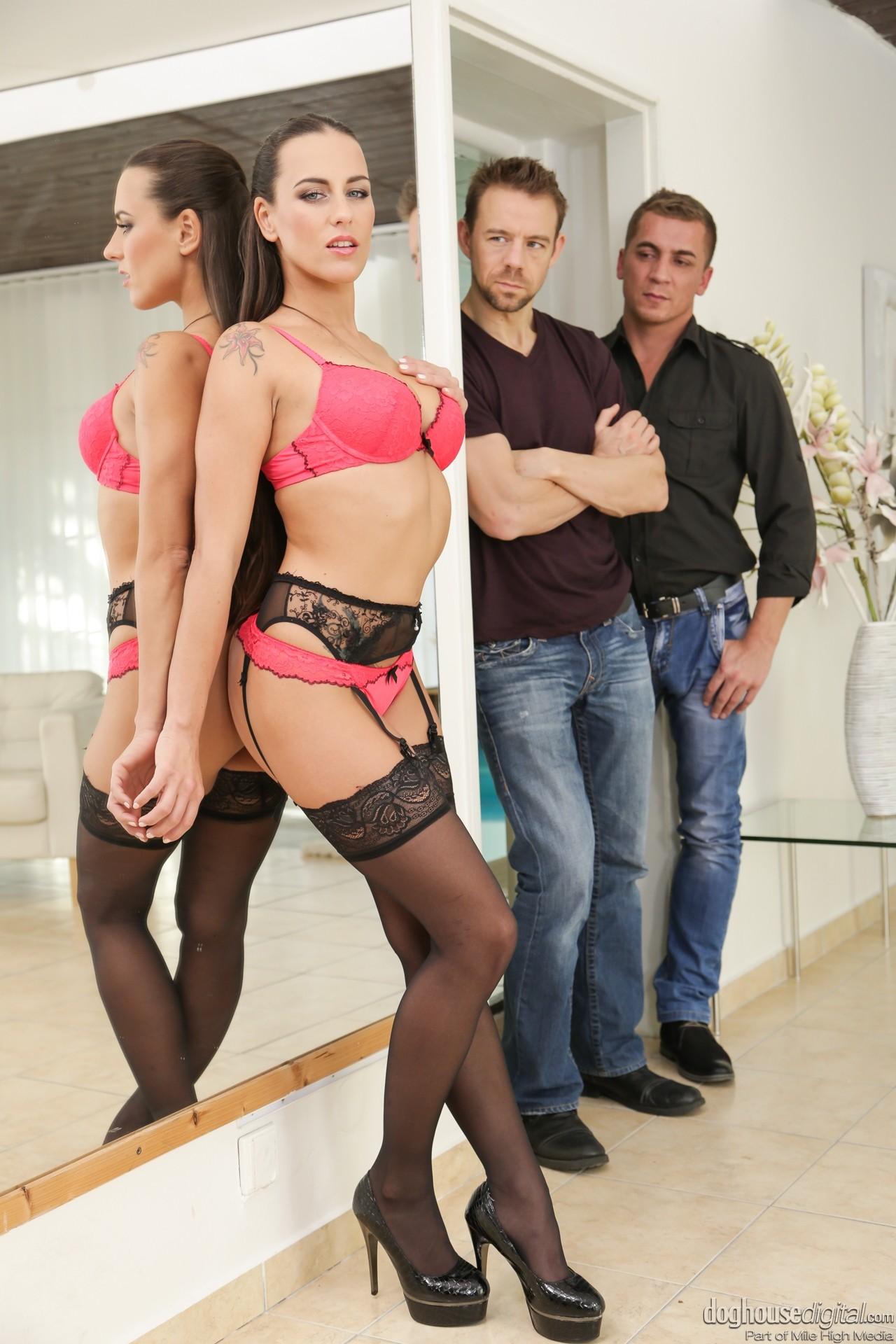 Amateur Threesome Bi Mmf Anal Bisexual threesome mmf