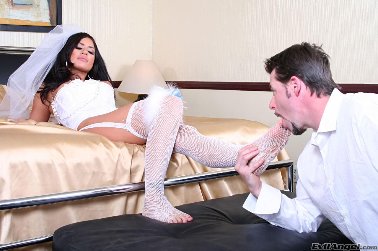 Порно секс эротика целовать ножки
