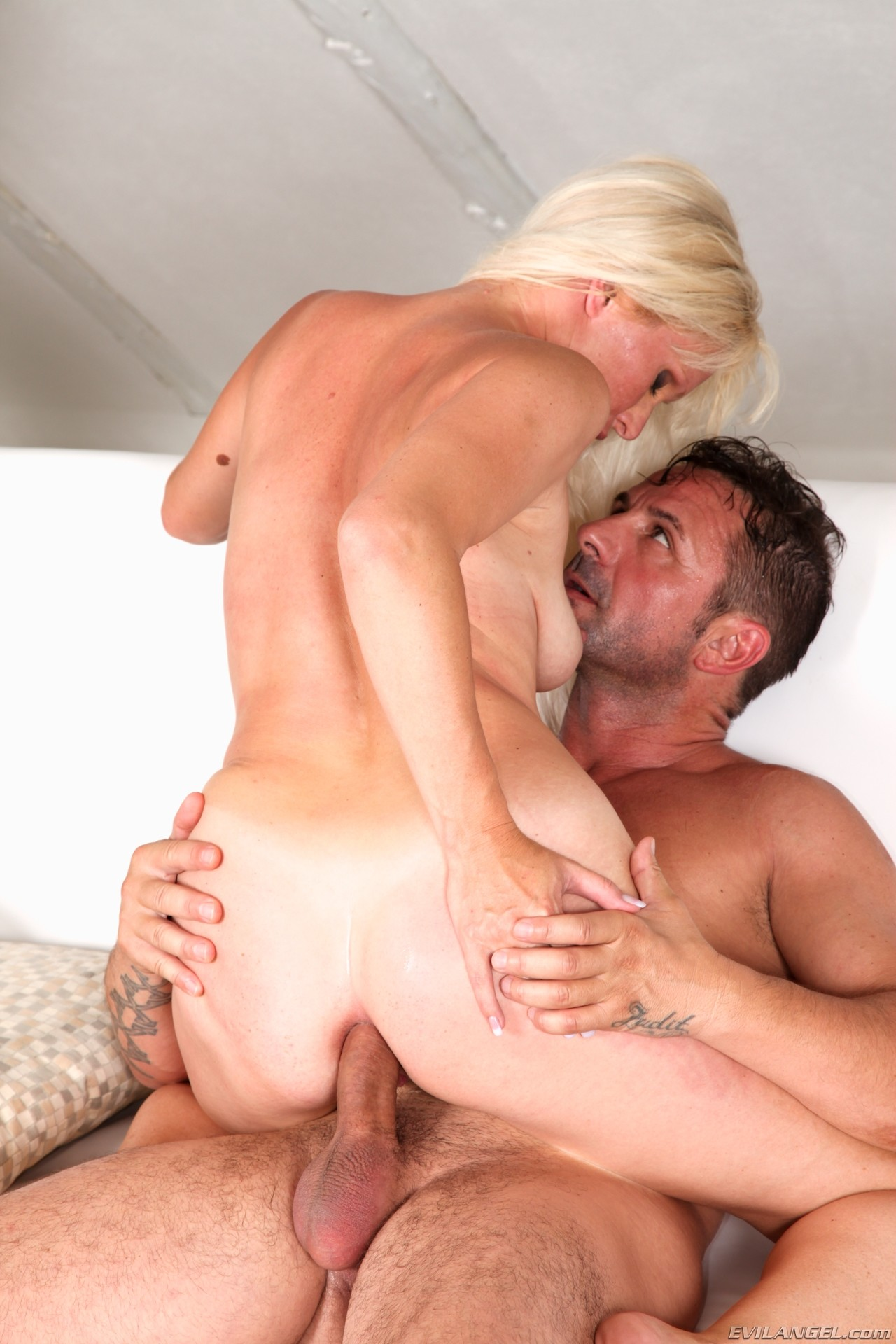 Doghouse fuck him and you can fuck me - 3 part 5