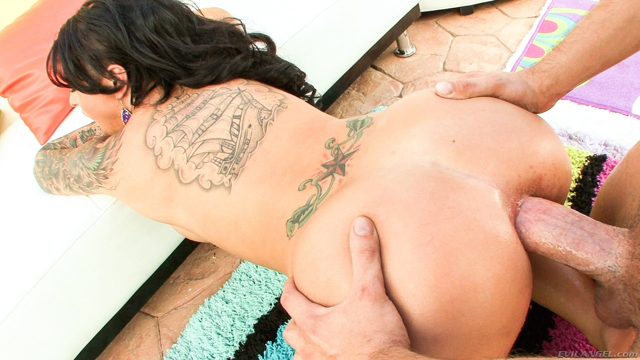 Анал девушек с татуировками