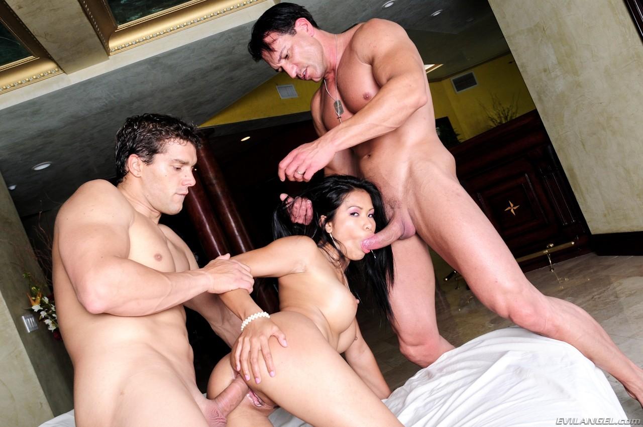 Жену трахают ебут при муже порно видео