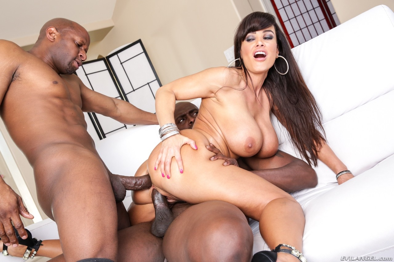 Lisa Ann Shows Off Her Perfect Ass In A Tight Blue Dress