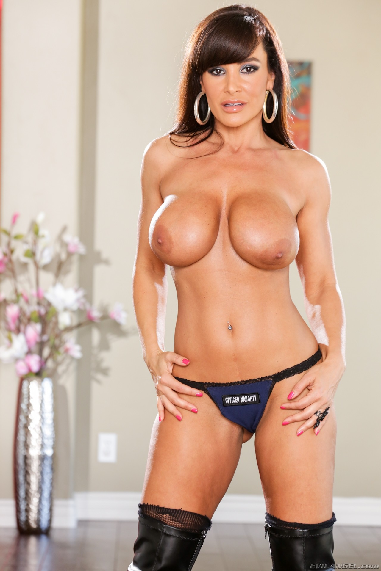mature-ass-lisa-ann-walter-nude-images-wide