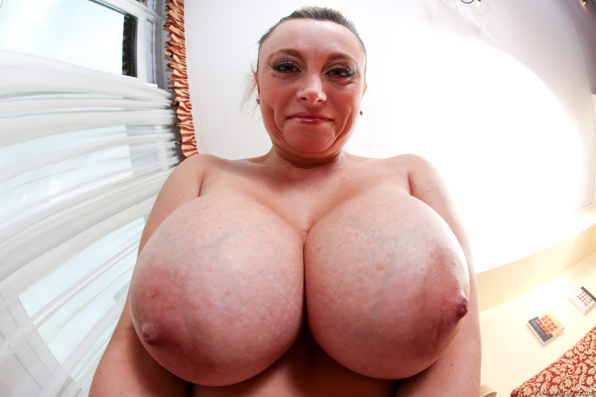 naked-aaa-cup-tits-xxx-hole