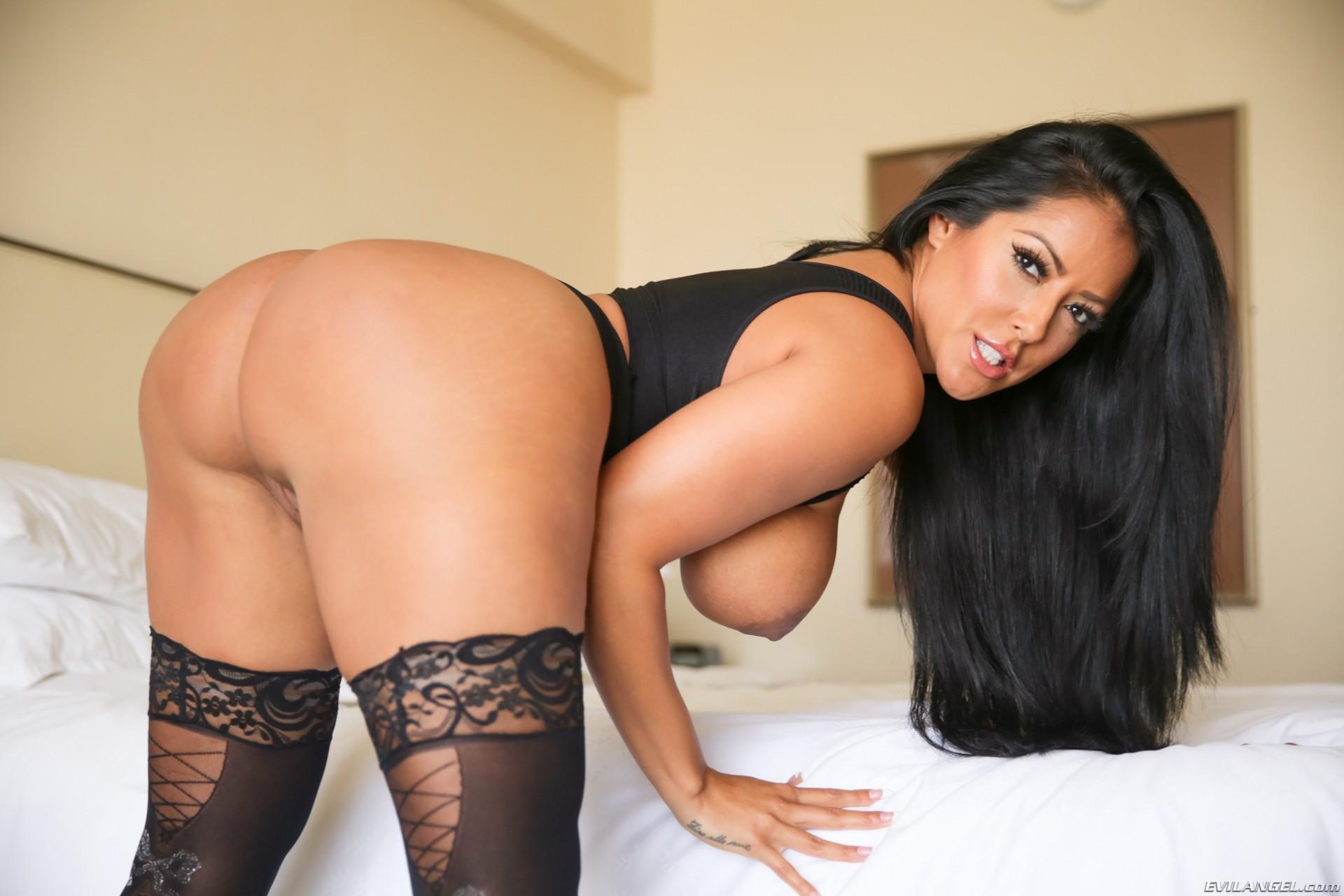 Фото голая латинки, Голые латинки - эротические фото попок и сисек латинок 14 фотография