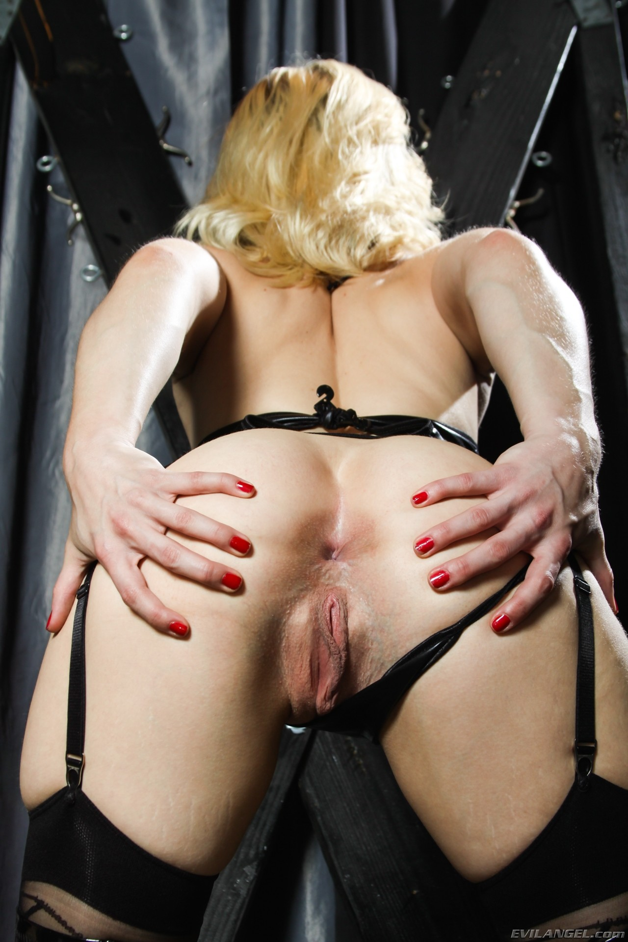 Blonde needs big toy deep google wetvibe to play her pussy - 2 5
