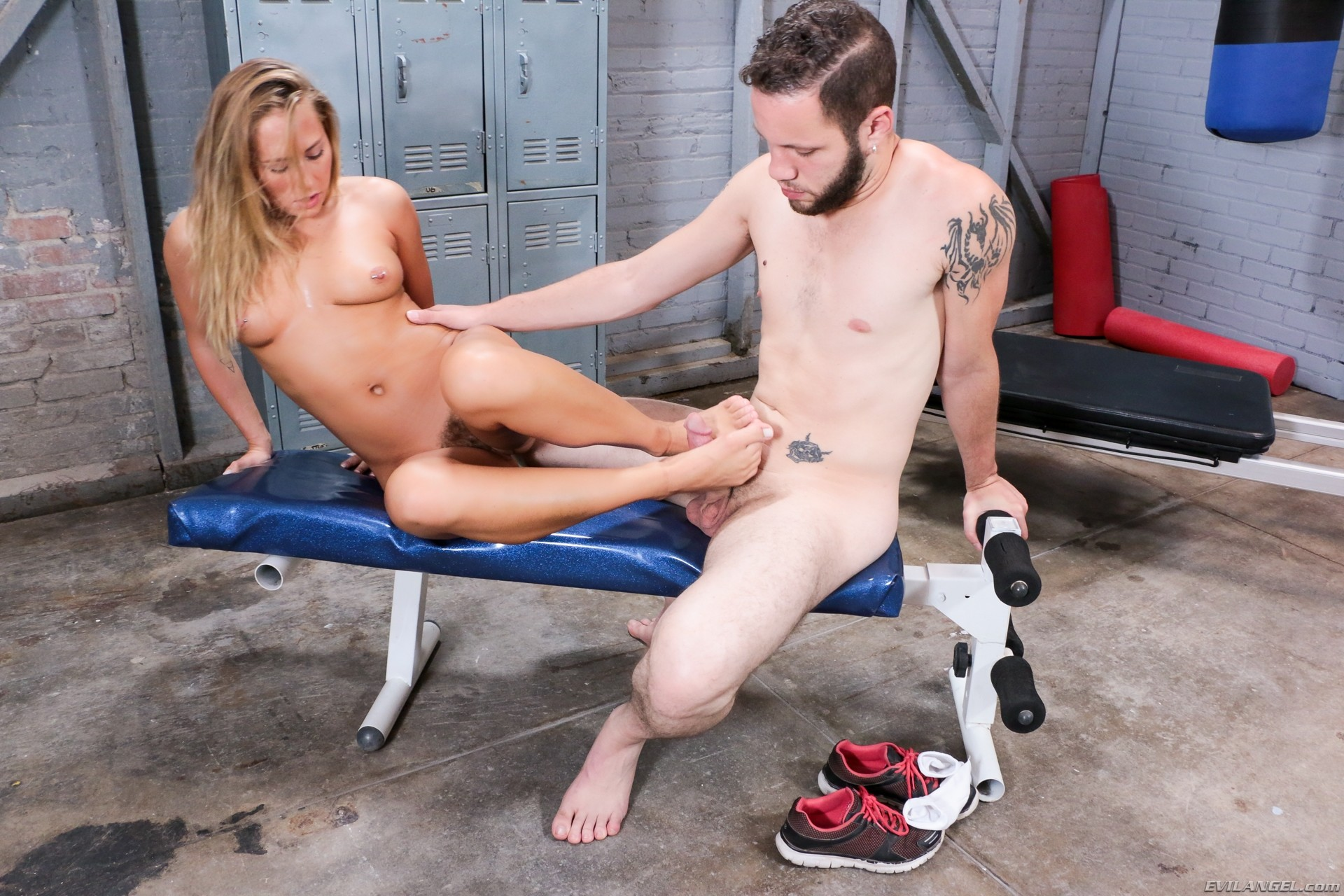 Carter Cruise - Foot Fuckers 75164-1991