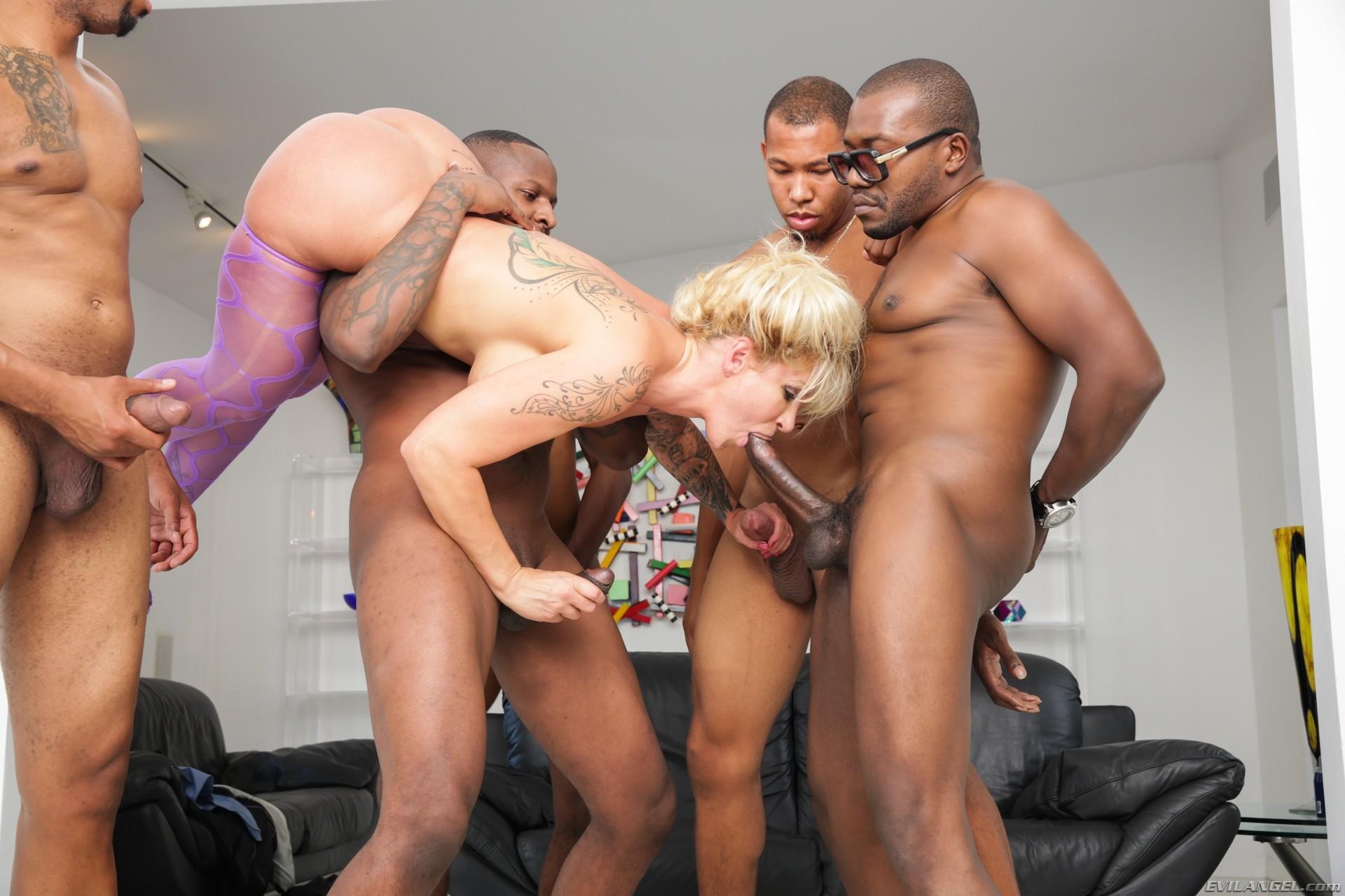 naked-guys-gang-bang-booty-porn-naked-grannies-kai