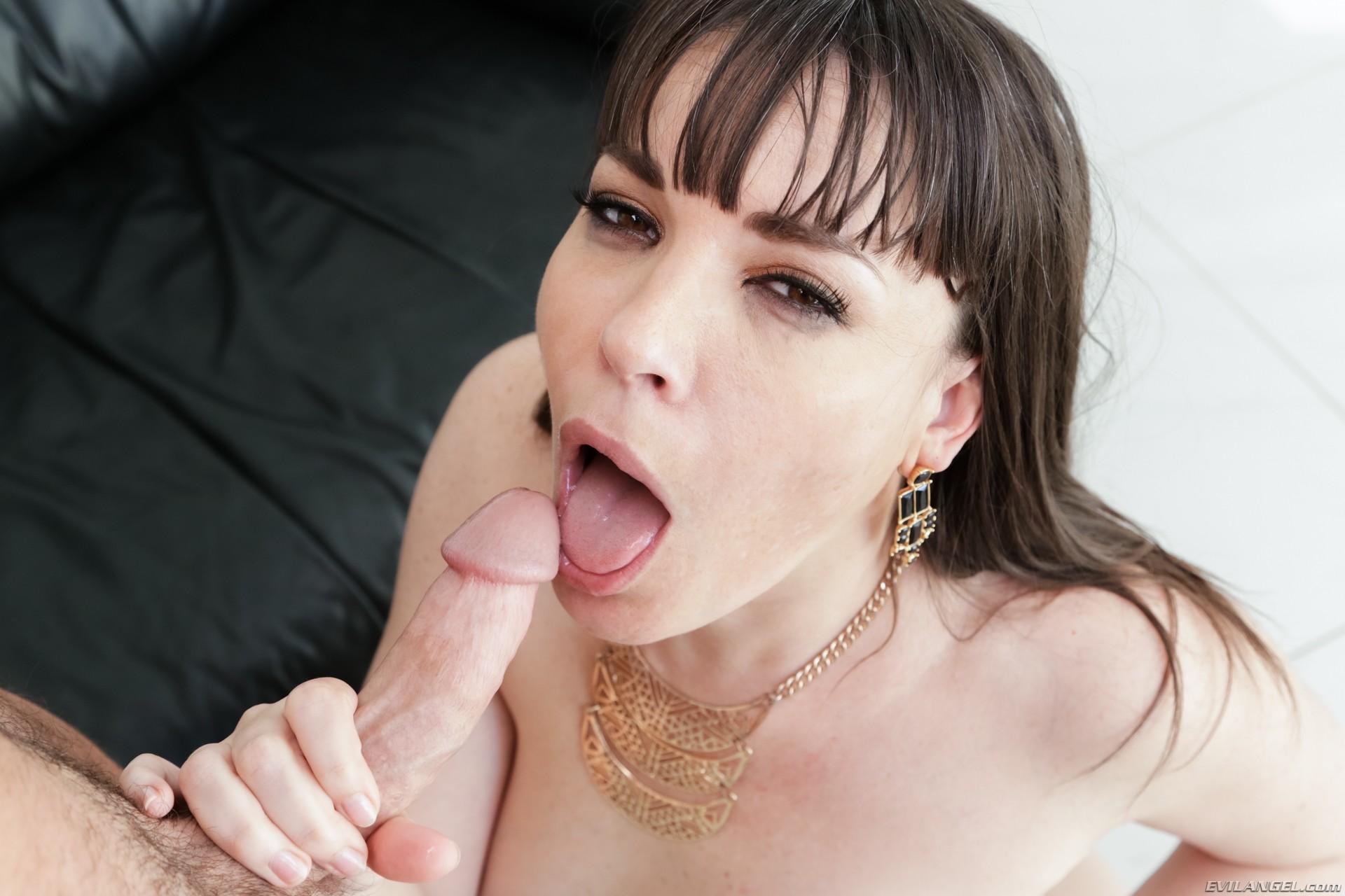 clip free hermaphrodite pissing