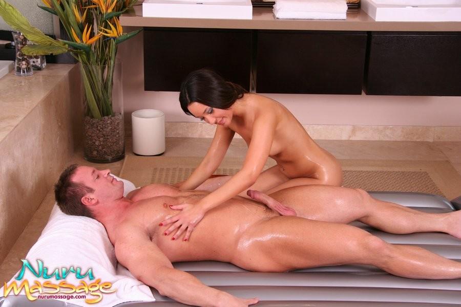 пятнадцать русское порно делал массаж полной девушке вашему вниманию увлекательное
