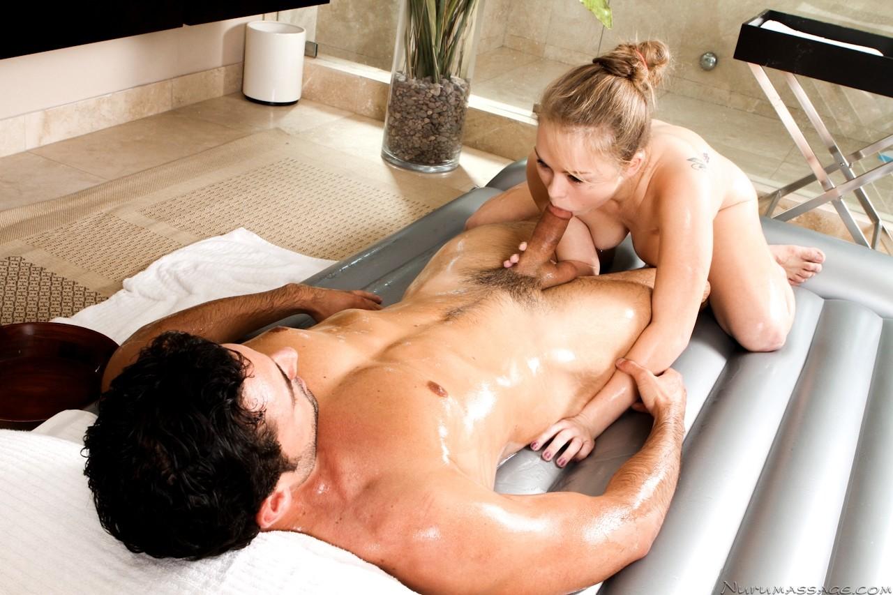 romanticheskie-seks-massazh-seks-video-igri-v-obshage
