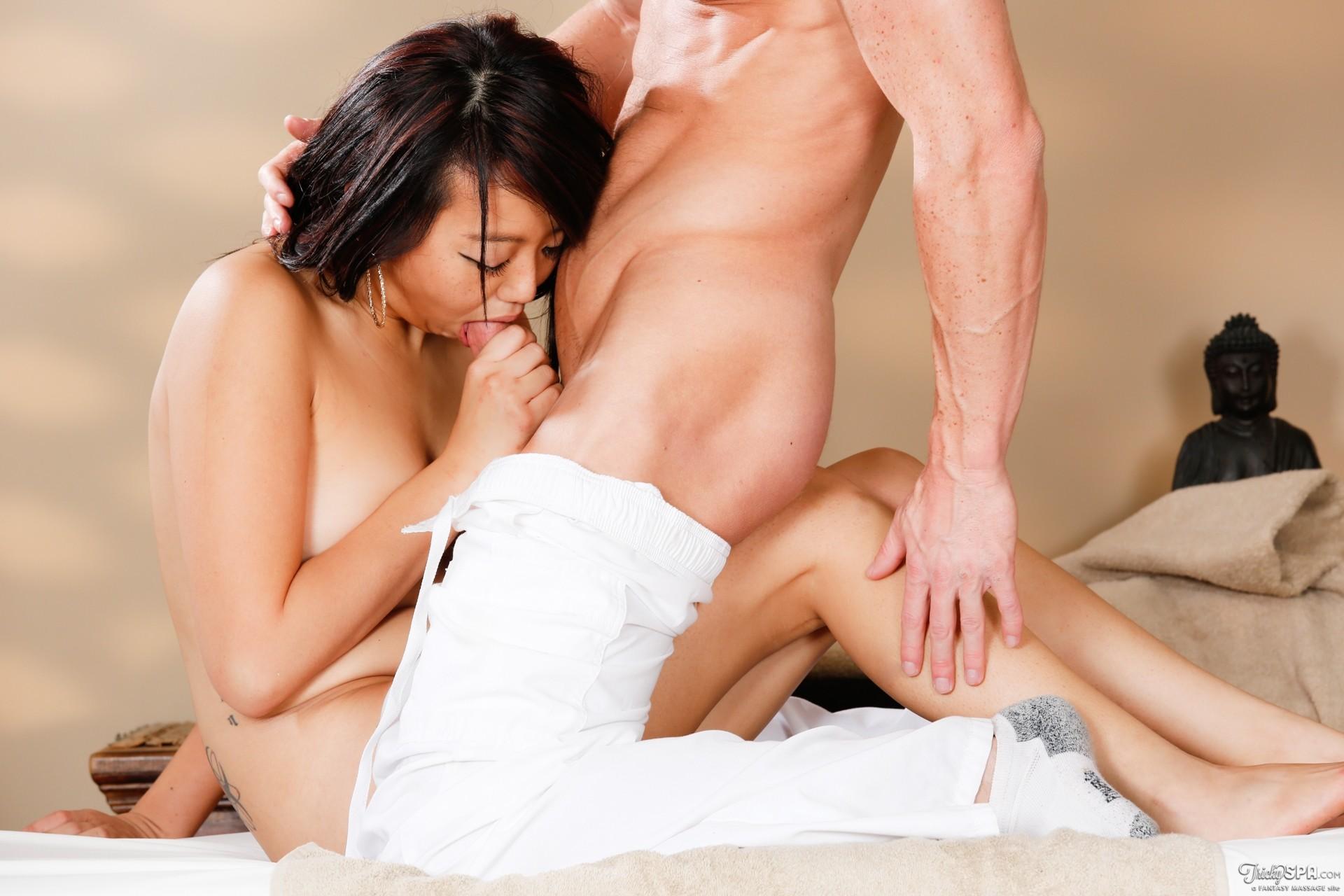 всем смотреть интересный секс и возбуждающий как близко можете