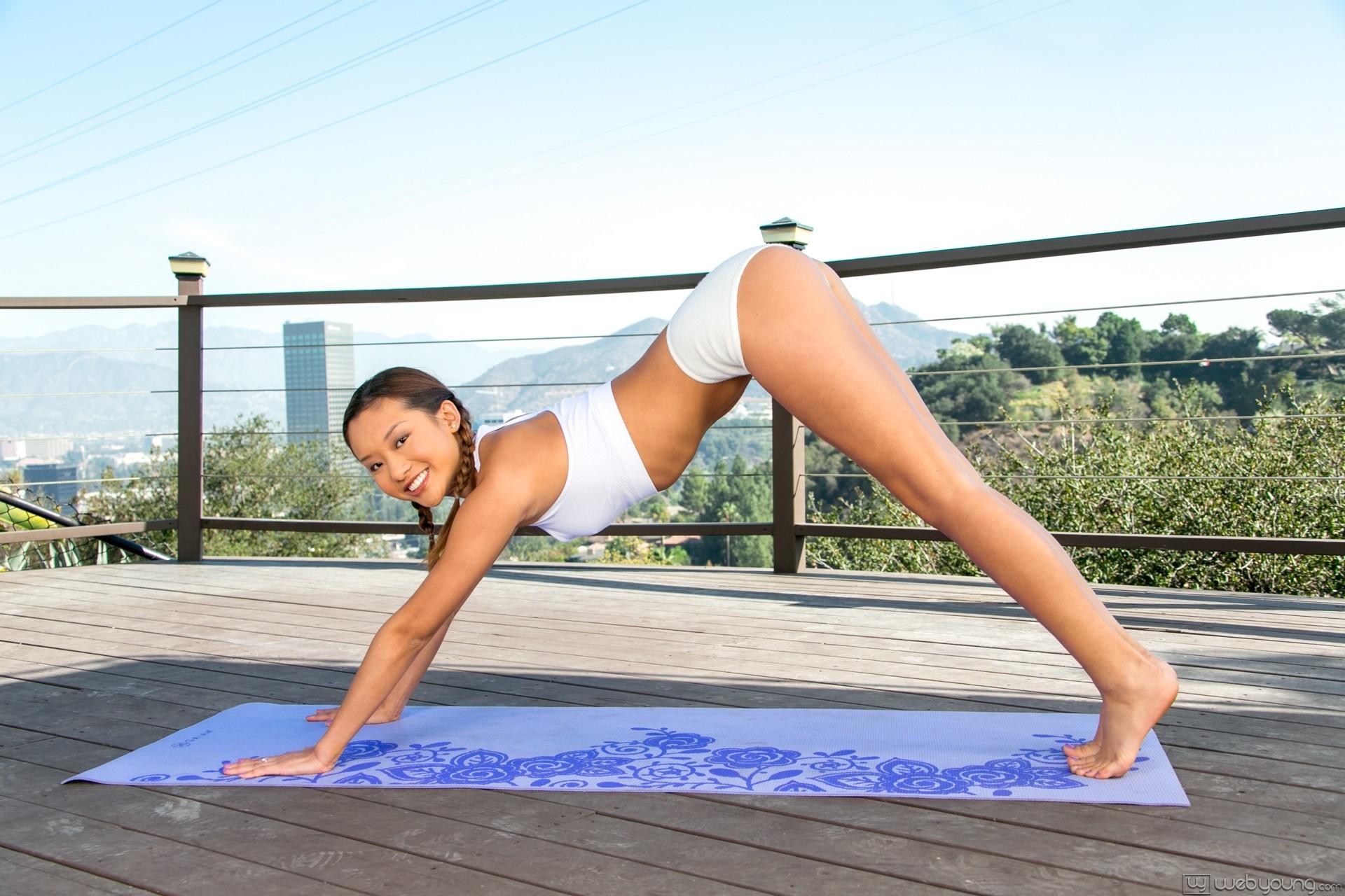 Alina Li, Veronica Rodriguez - My First Yoga Class 76701-8683