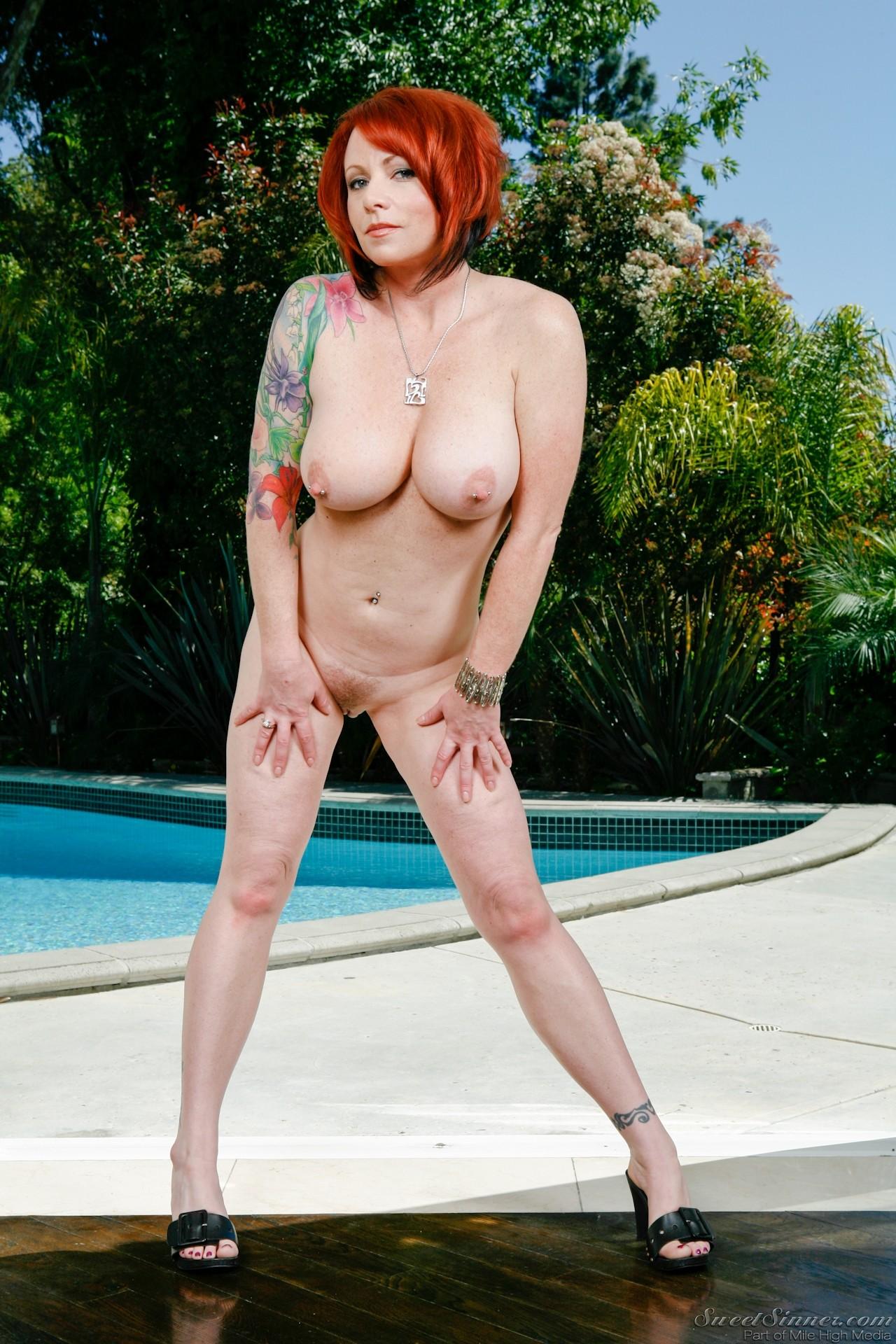 Hot redhead cougar kylie ireland anal threeway - 1 9