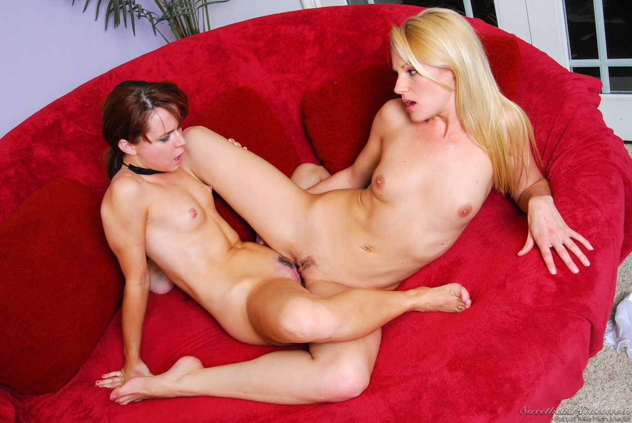 Lesbian babysitter lena paul scissors with mommy