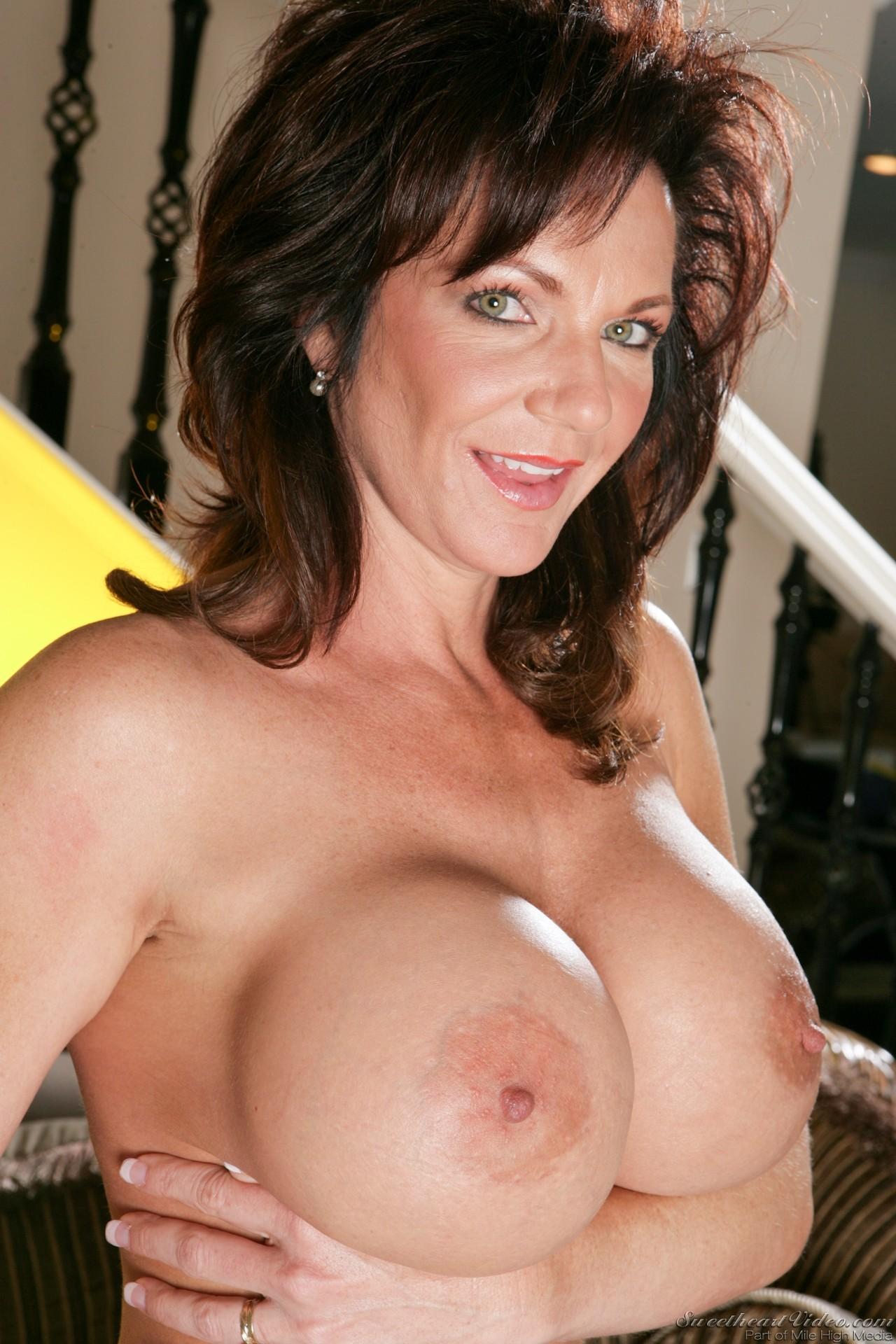 Xxx deauxma moms naked pics