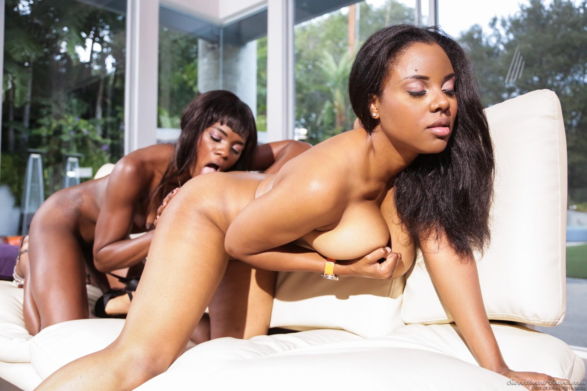 Смотреть порно лесби негритянки, Порно видео онлайн: ЛесбиянкиМулатки 18 фотография