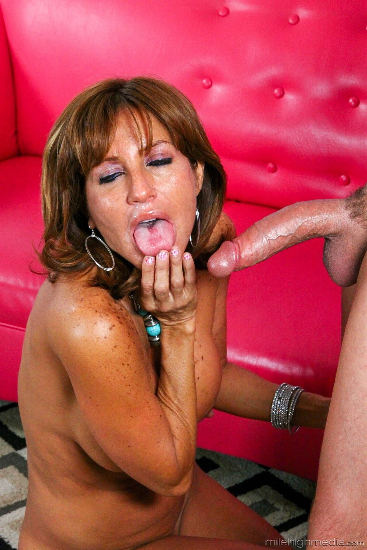 Tara Holiday - 1St Time Mother Fuckers 02 78234-3179