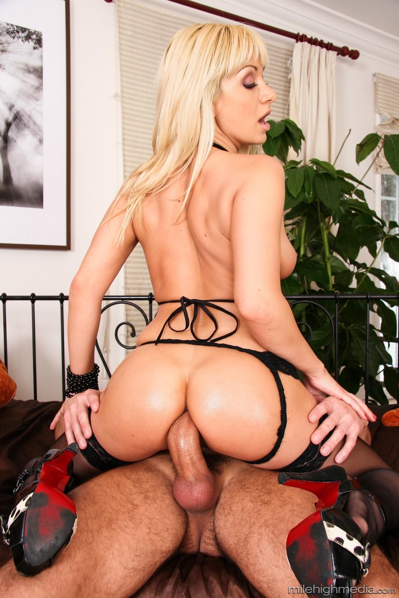 Gillian Jacobs Nude Scene