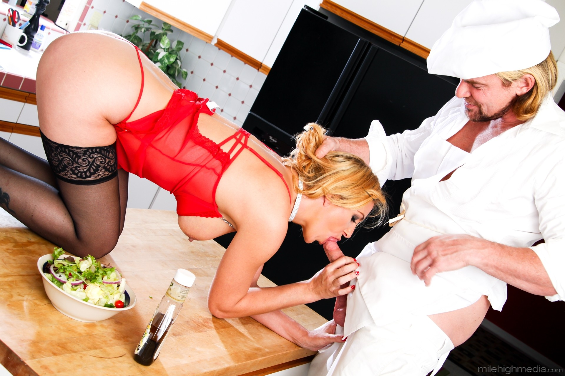 Bored Housewife Michelle Thorne Sucks And Fucks Cops Bbc For Cum In Face Tnaflix Porn Pics