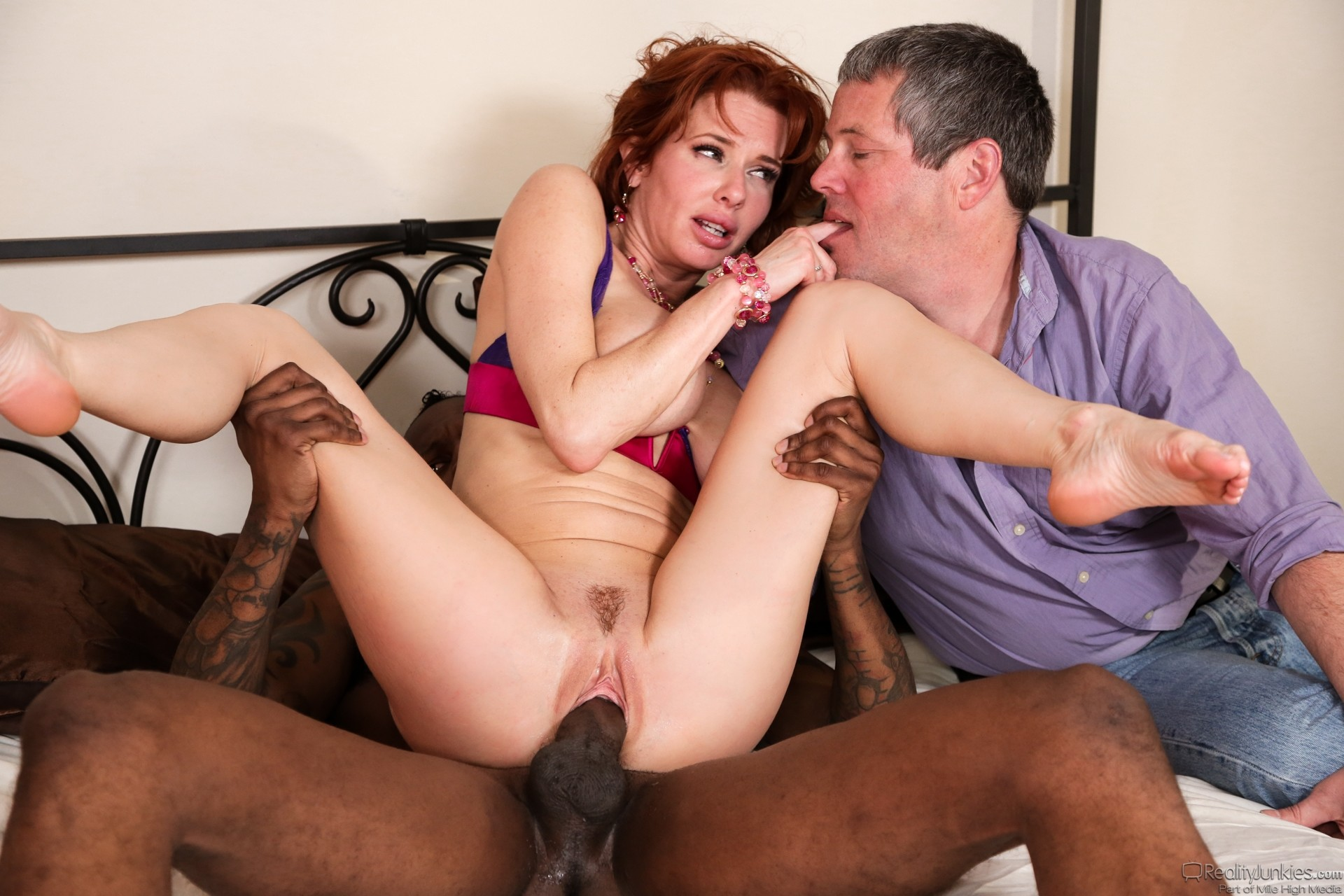 Cuckold mature video — photo 3