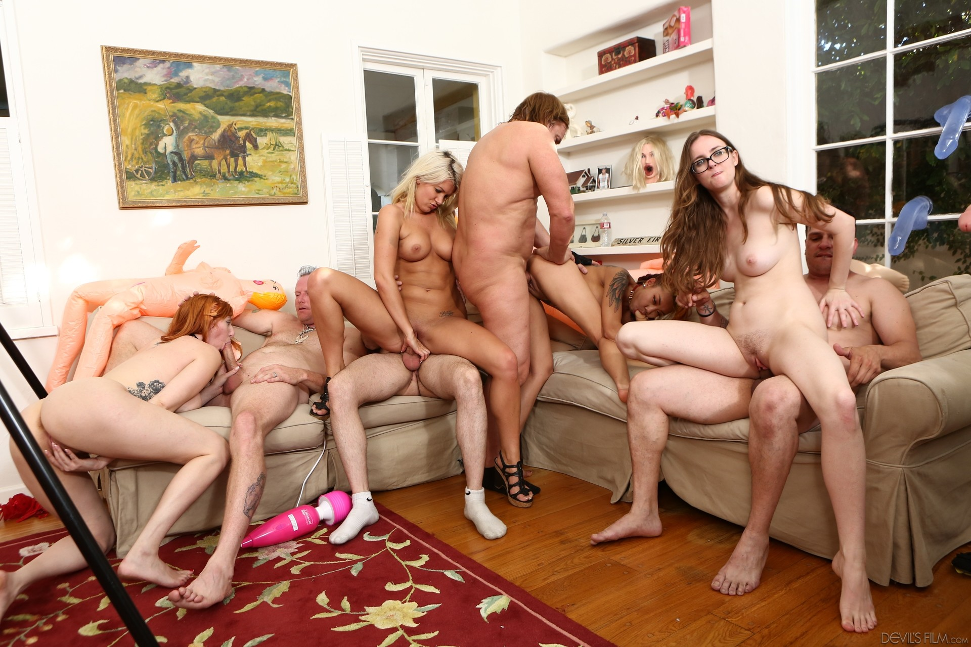 sex-orgies-one-girl
