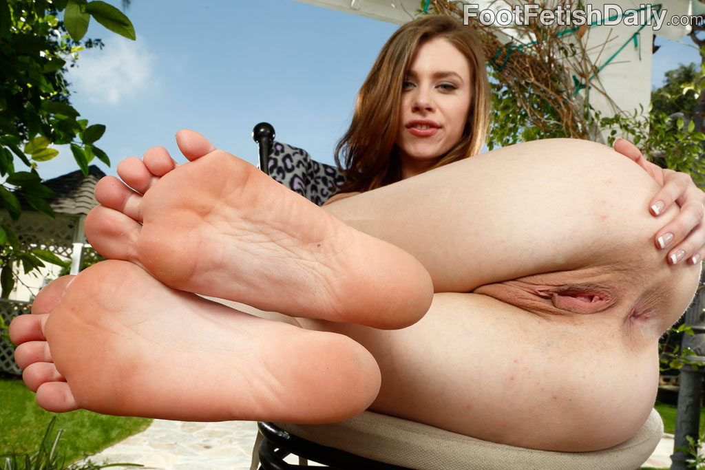 Nude Anal Sex Feet - Sexy Girl Going Wild With Her Feet Hot Pornstar Anal Sex ...